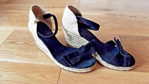 Pied A Terre Black Wedge Sandals - Size - 38.