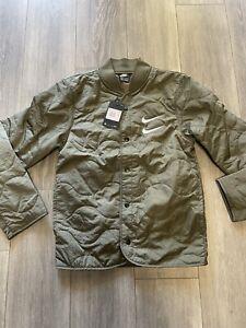 RARE 110$ Nike Sportswear Swoosh Quilted Jacket Green Men's Size XS CU3922-380