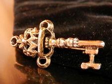 Cute Petite Vintage 50's Ornate Skelaton Key Brooch 314J5