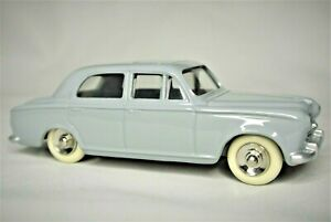 MINT Boxed Reproduction Dinky 521 Peugeot 403 Berline in Grey Norev DeAgostini