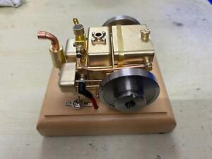 Horizontal two cylinder engine Model (M12C)