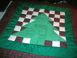 Vintage Handmade Hand Stitched Holiday  Wall Hanging Quilt Christmas Tree