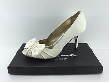 Nina Women's Ivory Heels 8 W