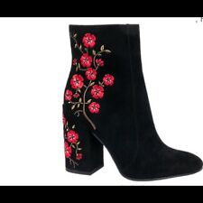 Brand new black suede embrodiery boots with zip detailing on the inner side!
