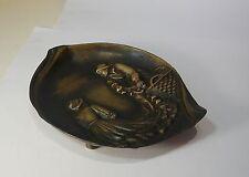 Jolie Coupelle cendrier en bronze, couple de pêcheurs au filet