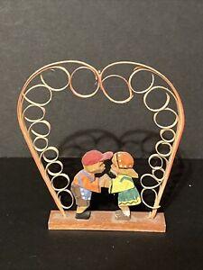 EMIL HELBIG ERZGEBIRGE Kissing Boy & Girl Spanbaum Heart German Wood Miniatures