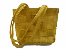 Bolso de  Chica , amarillo y tiras brillantes