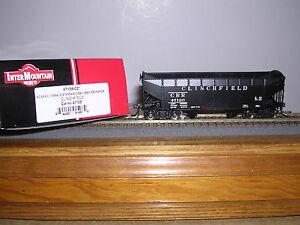 INTER.#47154  Clinchfield 36' 2-Bay AAR Offset Side Hopper Car w/4 Car #s 1/87