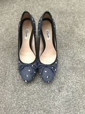 CLARKS Navy blue shoe size 6D