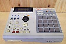 AKAI MPC 2000 XL MIDI PRODUCTION CENTER