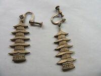 """Beautiful Vintage Oriental Gold Tone Screw On Earrings 1"""" x 1/4"""""""