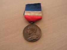 medaille  republique francaisecommerce industrie     argent attribuee 1901