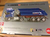 Siku 6725 Camión Scania Basculante R.C. 1/32
