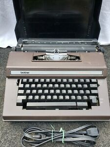 Vintage Electric Typewriter Brother Model 3800 Correct-o-Riter with Hard Case
