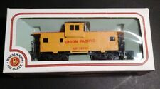 Bachman HO Scale Union Pacific UP 25743 Caboose Train