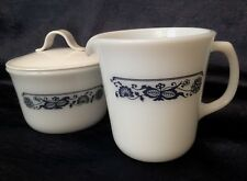 RETRO PYREX 1979; OLD TOWN Dimension-IV-Style, Large M-G Creamer & Lidded Sugar