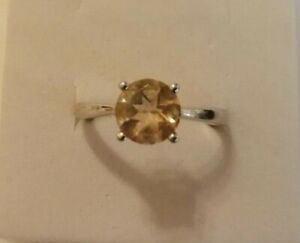 Sterling silver ring with solitaire citrine stone size R/S