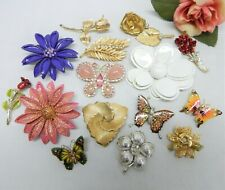 BUTTERFLY & FLOWER THEMED BROOCH LOT VINTAGE TO NOW FASHION JEWELRY LOT
