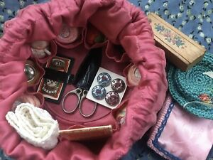 ANTIQUE SHAKER c.1900 SATEEN & LEATHER SEWING KIT BAG WITH SILVER THIMBLE & MORE