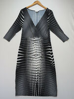 F-016 STUDIBAKER Stunning BLACK WHITE STRETCH Cocktail Dress Size 14 NEW