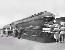 PENNSYLVANIA RR S-1 CLASS BULLET TRAIN ENGINE PHOTO 1940 NY NEW YORK WORLDS FAIR