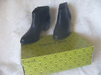 GIANNI BINI WOMEN'S LEATHER ANKLE BOOTIE Heels  SIZE 9M $99.00 New with box