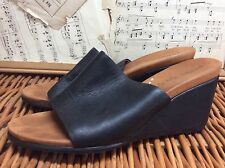 GENTLE SOULS Kenneth Cole BLACK LEATHER Slides WEDGES HEELS 9 M GABE-Olicious