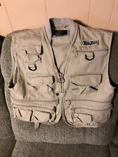 WHITE RIVER Fishing Vest Mens Small TONS OF POCKETS Zippers Photography Travel