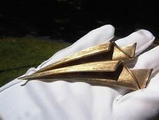 GORGEOUS SIGNED CROWN TRIFARI VINTAGE HIGH END LAYERED LONG FLOWER BROOCH PIN