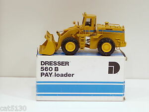 Dresser 560B Loader - 1/50 - Conrad #2420 - N.MIB