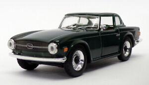 Solido 1/43 Scale Model Car 27 - 1969 Triumph TR6 - Green