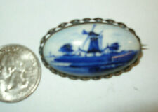 VINTAGE HAND PAINTED PORCELAIN CAMEO BROOCH PIN - DELFT HOLLAND - SILVER FRAME