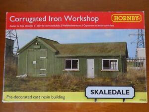 Hornby Skaledale R9810 Corrugated Iron Workshop 00 Scale for Model Railways -New