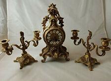 Pendule Laiton avec bougeoir , pendule clock horloge de table style Louis XV