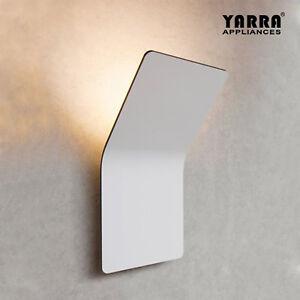Stylish LED Wall Light Bend Interior Modern Black White Warmwhite