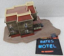 Bates Motel Psycho Polar Lights Playing Mantis Model Haunted House 1998 Built