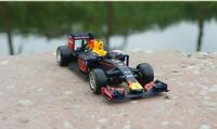 Bburago F1 Race Red Bull RB13 #3 Daniel Ricciardo 1/43 Diecast Model