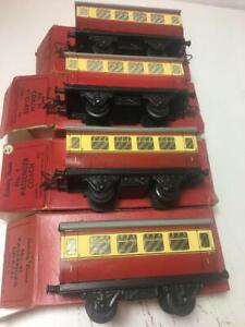 job lot 4 passenger coaches O Gauge Trains Hornby 1 missing conectors