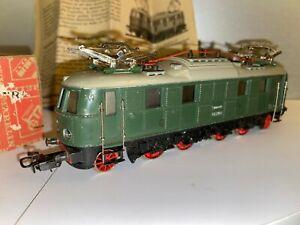 Locomotive Märklin MS800 BR 18 HO excellent état avec boite d'origine