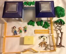 Playmobil Set 4344 Animal Nursery Clinic People Fence 1st Aid Vet