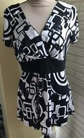 Perceptions NY Women Short Sleeve Shirt Top Size 12 Black & White EUC