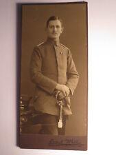 stehender Soldat oder Beamter in Uniform - Orden / KAB Ernst Wilke Goslar