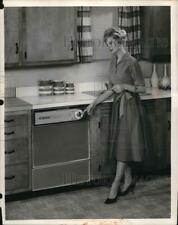 1961 Press Photo Rca Whirlpool dishwasher in a home kitchen
