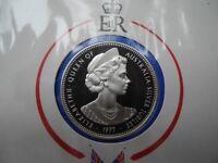 Queen Elizabeth II Silver Jubilee Visit medallion+stamp set Special Issue 1977