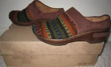 NEW  Born Womens Clogs Mules Shoes 7M NIB