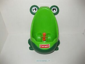 Foryee Cute Frog Potty Training Urinal Boys Funny Aiming Target - Green - CLEAN