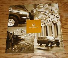 Original 1995.5 Honda Passport Deluxe Sales Brochure 95 1/2