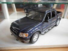 Maisto Ford Explorer Sport Trac in Dark Blue on 1:18