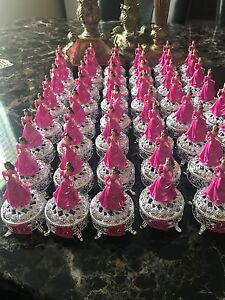 quinceanera decorations favors silver and pink with dolls and silver box