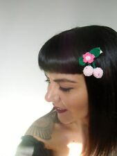 Pince clip cheveux cerises roses pâles cherries crochet original pin-up rétro